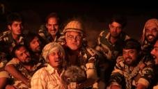 Sanjay Mishra making fun still from film War Chhod Na Yaar