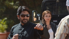 Arshad Warsi and Soha Ali Khan still from film Mr Joe B Carvalho