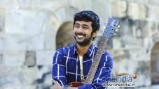 Rahul Ravindran stills from Nenem Chinna Pillana