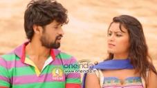 Jeevan and Roopa in Kannada Movie Gaali
