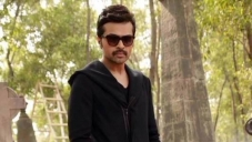Himesh Reshammiya new look for his film The Xpose