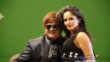Komal in Kannada Movie Karodpathi