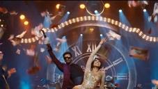 Priyana Chopra & Ranveer Singh in Gunday