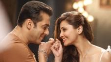 Salman Khan and Daisy Shah in Bollywood Movie Jai Ho