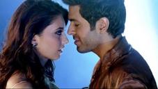 Ayesha Khanna and Harman Baweja still from film Dishkiyaoon