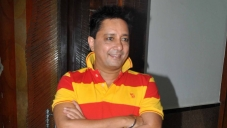 Sukhwinder Singh at Song recording of Rab Mujhe Pyaar Ho Gaya