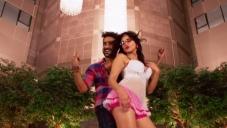 Vir Das & Sunny Leone in Mastizaade