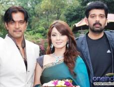 Arjun Sarja, Minishaw Lamba and Chakravarthy Photos