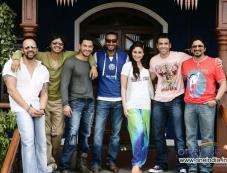 Rohit Shetty, Shreyas Talpade, Kunal Khemu, Ajay Devagn, Kareena Kapoor, Tusshar Kapoor and Arshad Warsi Photos