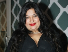 Dolly Bindra Photos