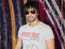 Ashish Chowdhry Photos