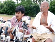 Mudhalvar Mahatma Photos