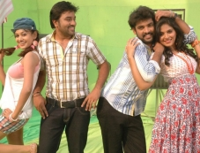 Oviya Helen, Shiva, Vimal and Anjali Photos
