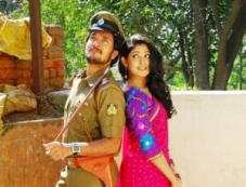Shanker Aryan and Yagna Shetty in Kannada Movie Sadagara Photos