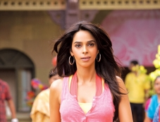 Mallika Sherawat Stunning Still Photos