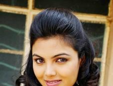 Hot Priyanka Tiwari Photos