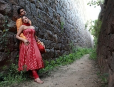 Thulli Ezhunthathu Kadhal Movie New Pics Photos