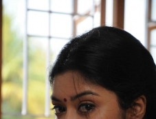 Therodum Veedhiyile Pictures Photos