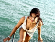 Sanjjanaa Photos