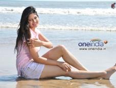 Ananthi Photos