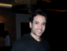 Tusshar Kapoor at Raanjhanaa success party Photos
