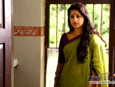 Meera Jasmine in Malayalam film Mazhaneerthullikal Photos