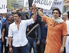 Ajay Devgan and Arjun Rampal still from Satyagraha Photos