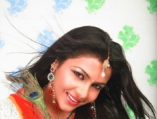 Cute Saranya Photos