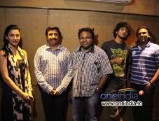 Shruti Hassan & Anirudh Sings for Ennamo Edho Movie Photos