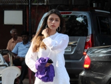 Aarti Chhabria at Madhuri Dixit father's prayer meet Photos