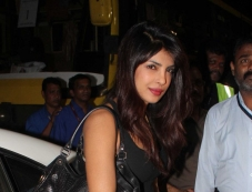 Priyanka Chopra arrives Mumbai International Airport Photos