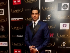 Sidharth Malhotra at the red carpet of SAIFTA Photos