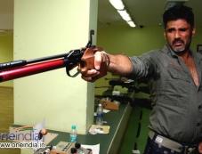 Sunil Shetty training for his Anand Kumar's film Desi Kattey Photos