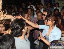 Hritik Roshan and Priyanka Chopra meet their fans during the Krrish 3 film promotion Photos