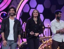 Shahid Kapoor, Sonakshi Sinha and Prabhu deva on Dance India Dance tv show sets Photos