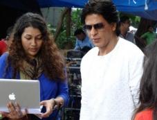 Shahrukh Khan preparing for Nokia Lumia ad shoot Photos