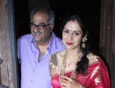 Sridevi along with her husband Boney Kapoor arrive at Anil Kapoor's Karva Chauth party Photos