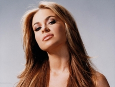 Baywatch fame Carmen Electra to enter BB7 Photos