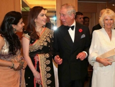 Kajol conversation with Prince Charles and Camilla Photos