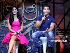 Katrina Kaif and Aamir Khan addressing media during the Dhoom 3 title song launch Photos