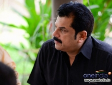 Mukesh in Malayalam Movie Mannar Mathai Speaking 2 Photos