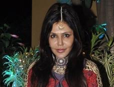 Nisha Jamwal at Sachiin Joshi & Urvashi Sharma aka Raina Joshi's Diwali party Photos