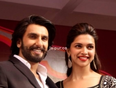 Ranveer Singh and Deepika Padukone poses during the Ram Leela promotion Photos