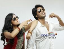 Sandeep Kishan and Rakul Preet Singh in Venkatadri Express Photos