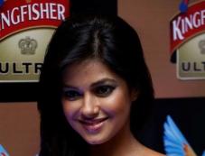Meera Chopra at the Hyderabad International Fashion Week 2013 Day 04 Photos
