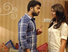 Silambarasan and Pallavi Subhash still from film Sattendru Maarudhu Vaanilai Photos