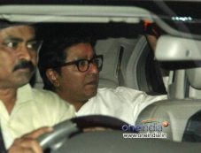 Special screening of Aamir Khan's Dhoom 3 for Raj Thackeray Photos