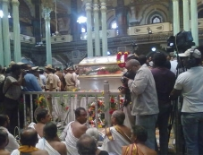Srikantadatta Narasimharaja Wadiyar Body Kept at Mysore Palace Photos