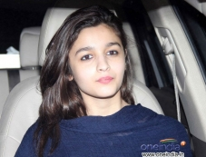 Alia Bhatt snapped while leaving airport Photos