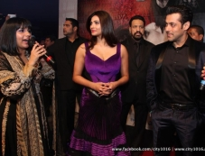 Daisy Shah and Salman Khan during the Jai Ho film premiere at Dubai Photos